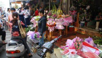 lightbox_Vietnam_Hanoi-Blumenverkaeufer